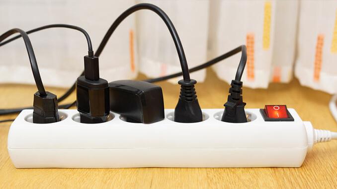 Strom sparen durch Steckerleiste mit Kippschalter