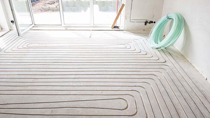 Fußbodenheizung versorgt das Haus